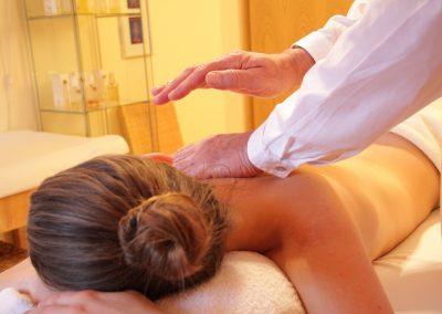 viataconstienta-masaj-cu-uleiuri-esentiale1